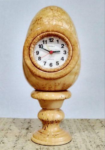 часы яйцо дервянные